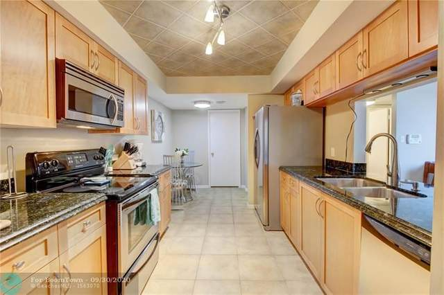 950 Lavers Circle F309, Delray Beach, FL 33444 (MLS #F10232947) :: Berkshire Hathaway HomeServices EWM Realty