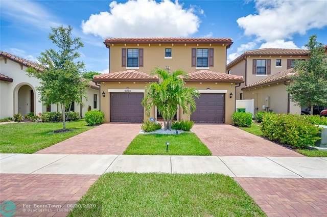 5016 NW 48th Ln, Tamarac, FL 33319 (MLS #F10235363) :: Berkshire Hathaway HomeServices EWM Realty