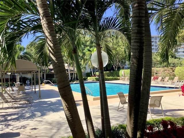 3520 Oaks Way #101, Pompano Beach, FL 33069 (#F10268792) :: Signature International Real Estate