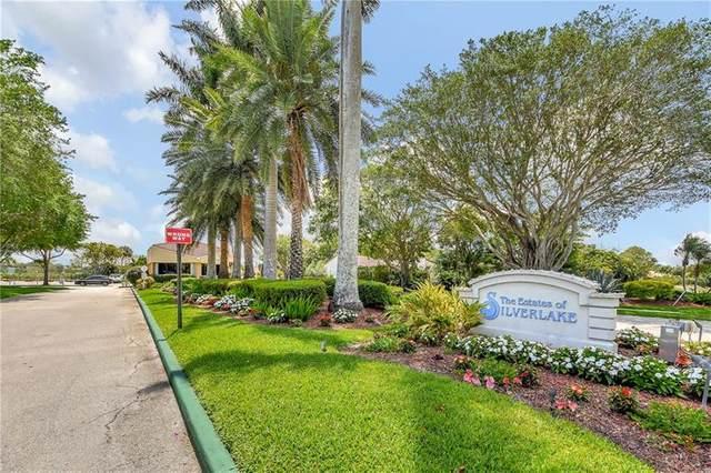 2612 SW 23rd Cranbrook Dr, Boynton Beach, FL 33436 (MLS #F10271842) :: Berkshire Hathaway HomeServices EWM Realty