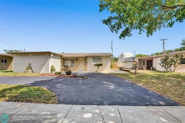 7711 NW 40  Street, Davie, FL 33024 (MLS #F10283230) :: Berkshire Hathaway HomeServices EWM Realty