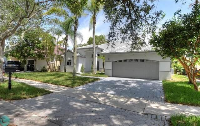 2760 Oakbrook Ln, Weston, FL 33332 (MLS #F10294166) :: Castelli Real Estate Services