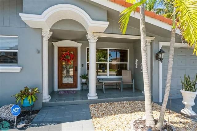 2407 NE 17th Ter, Wilton Manors, FL 33305 (MLS #F10300822) :: Castelli Real Estate Services