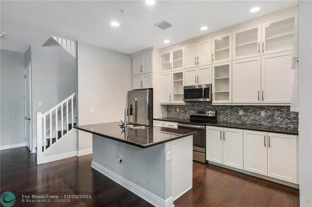 12441 NW 17th Mnr #12441, Pembroke Pines, FL 33028 (MLS #F10304960) :: Berkshire Hathaway HomeServices EWM Realty