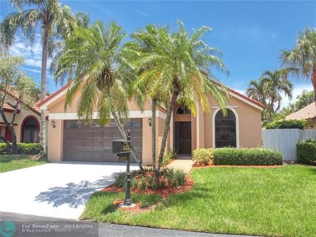111 Executive Cir, Boynton Beach, FL 33436 (#F10188095) :: Ryan Jennings Group