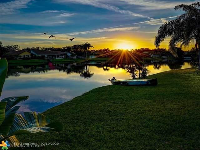 9242 NW 18th St, Plantation, FL 33322 (MLS #F10214361) :: Berkshire Hathaway HomeServices EWM Realty