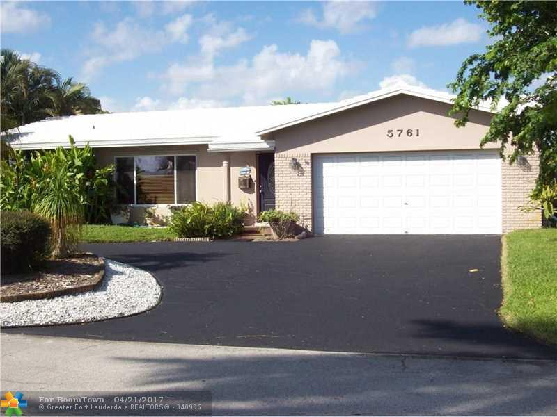 5761 NE 19th Ave, Fort Lauderdale, FL 33308 (MLS #F10033754) :: United Realty Group