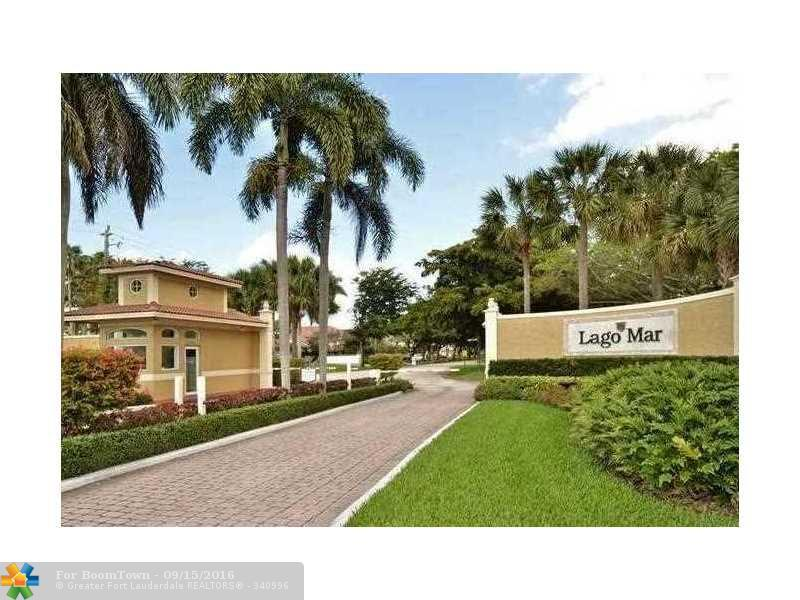 101 NW 129th Ave, Plantation, FL 33325 (MLS #F10031024) :: United Realty Group