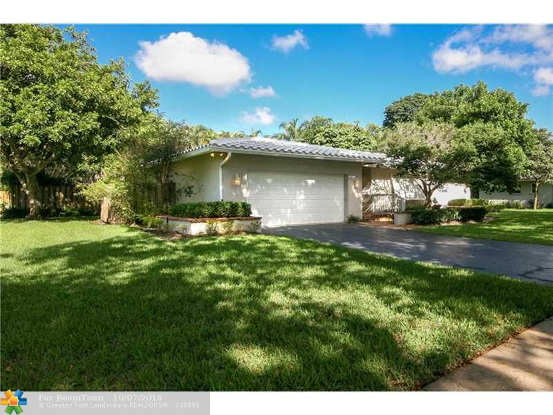 910 SW 70th Ave, Plantation, FL 33317 (MLS #F10034158) :: United Realty Group