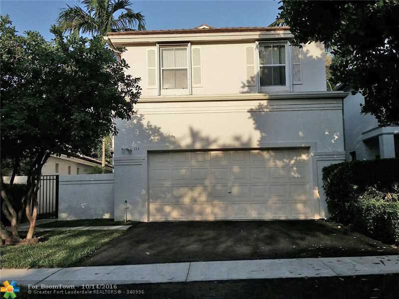 324 NW 74th Way, Plantation, FL 33317 (MLS #F10035170) :: United Realty Group