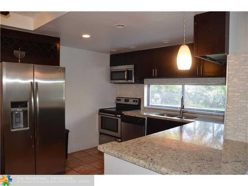 17021 N Bay Rd #107, Sunny Isles Beach, FL 33160 (MLS #F10035426) :: United Realty Group