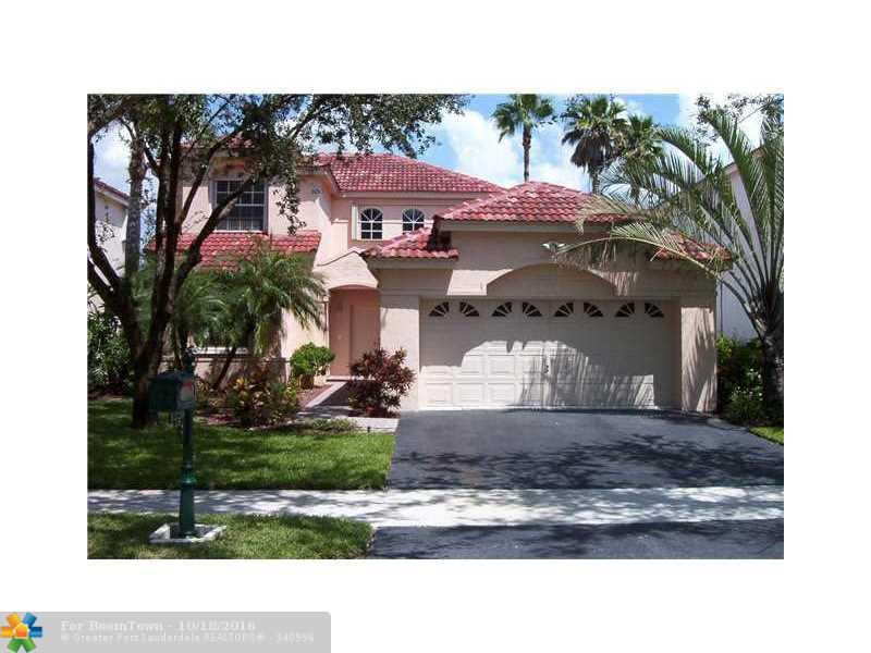 1220 Bayview Cir, Weston, FL 33326 (MLS #F10035793) :: United Realty Group