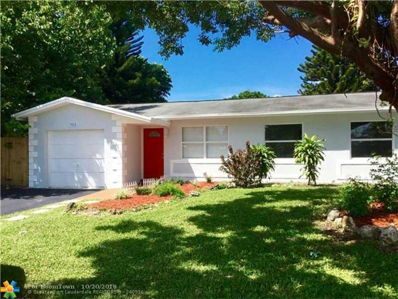 703 SW 74th Ave, North Lauderdale, FL 33068 (MLS #F10036016) :: United Realty Group
