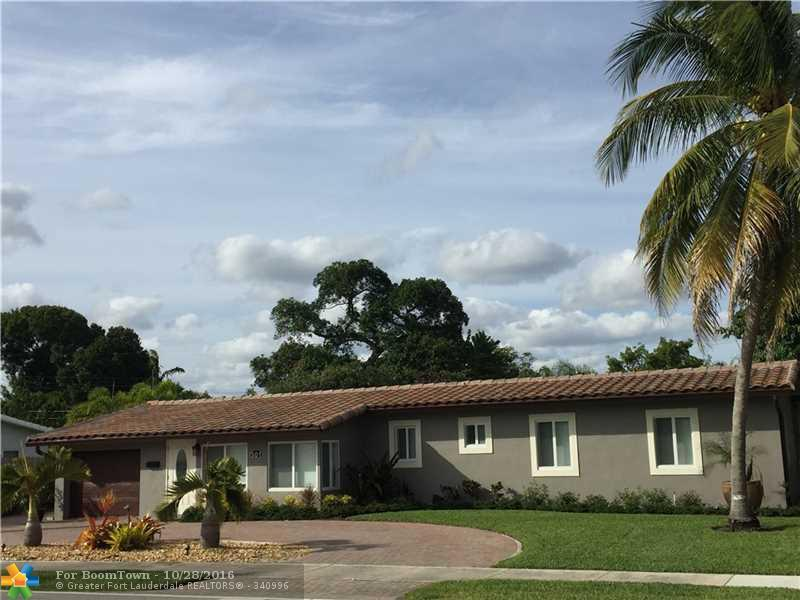 301 NE 26th St, Wilton Manors, FL 33305 (MLS #F10036242) :: United Realty Group