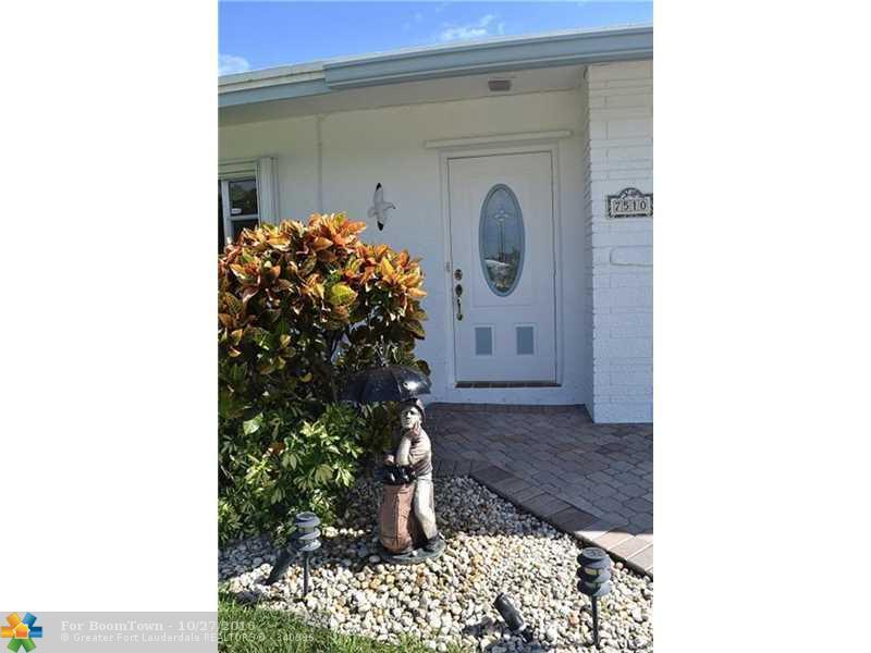 7510 NW 71st Ave, Tamarac, FL 33321 (MLS #F10036497) :: United Realty Group