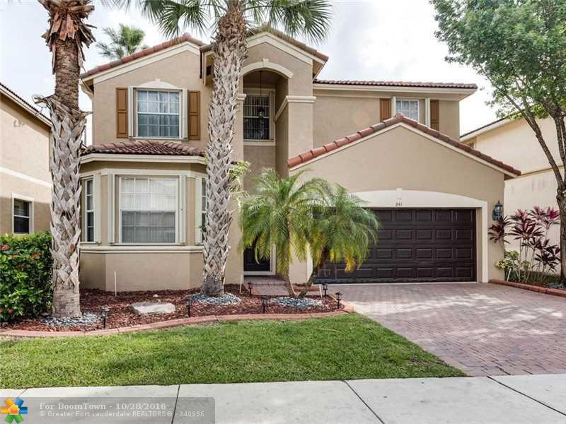 841 NW 126th Ave, Coral Springs, FL 33071 (MLS #F10037100) :: United Realty Group