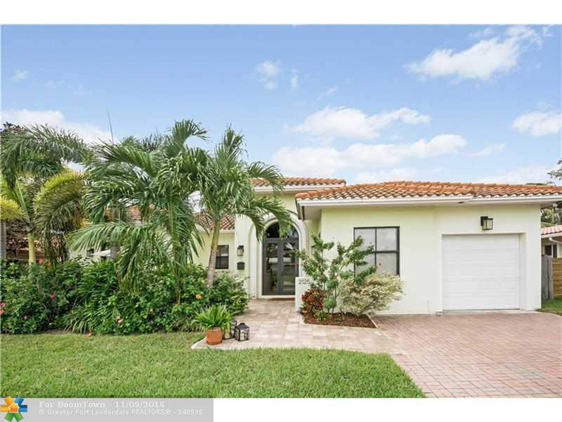 2125 NE 18th Ave, Wilton Manors, FL 33305 (MLS #F10038968) :: United Realty Group