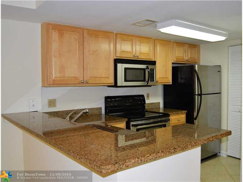 10773 Cleary Blvd #308, Plantation, FL 33324 (MLS #F10038994) :: United Realty Group