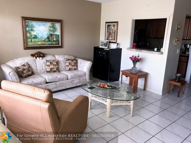 1105 Cambridge #1105, Deerfield Beach, FL 33442 (MLS #F10104041) :: Castelli Real Estate Services