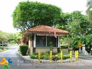 6200 S Falls Circle Dr #303, Lauderhill, FL 33319 (MLS #F10111740) :: Green Realty Properties