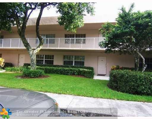 4280 Oaks Ter #203, Pompano Beach, FL 33069 (MLS #F10111874) :: Green Realty Properties