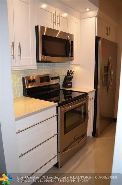 5621 SW 2nd Ct #206, Margate, FL 33068 (MLS #F10112520) :: Green Realty Properties
