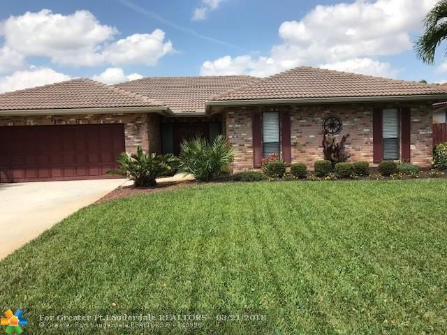 7207 NW 44 St, Coral Springs, FL 33065 (MLS #F10114595) :: The Dixon Group