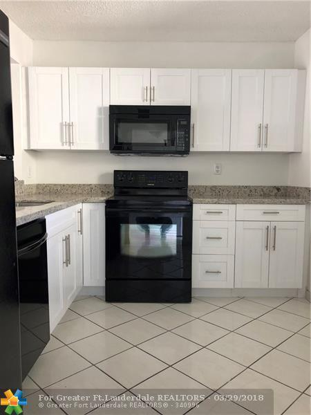 1830 SW 81st Avenue #4418, North Lauderdale, FL 33068 (MLS #F10115381) :: Green Realty Properties
