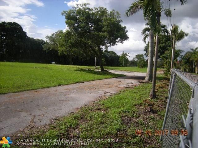 13240 Stirling Rd, Southwest Ranches, FL 33330 (MLS #F10118394) :: Green Realty Properties