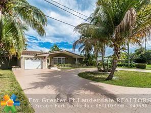 1100 SE 12th Ave, Deerfield Beach, FL 33441 (MLS #F10118504) :: Green Realty Properties