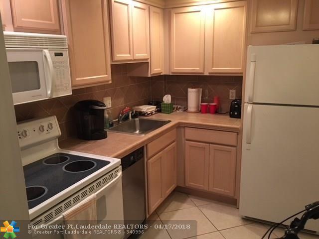 12 NE 19th Ct 118A, Wilton Manors, FL 33305 (MLS #F10118562) :: Green Realty Properties