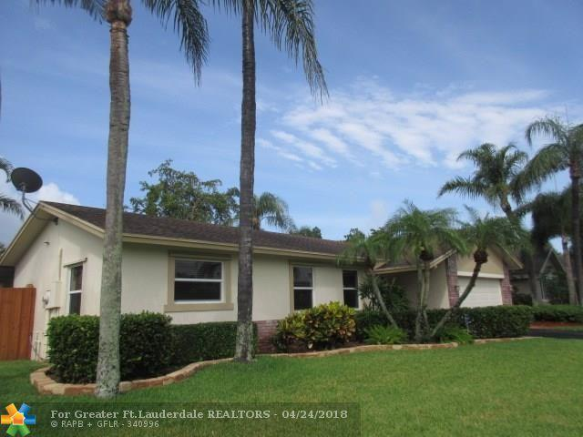 5370 NW 29th Ct, Margate, FL 33063 (MLS #F10119493) :: Green Realty Properties