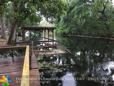 27622 Lois Dr, Other City - In The State Of Florida, FL 32778 (MLS #F10119570) :: United Realty Group