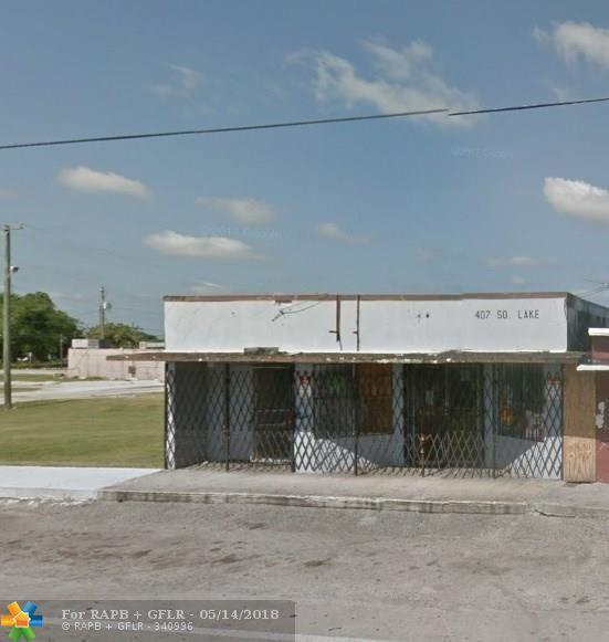 407 S Lake Ave, Pahokee, FL 33476 (MLS #F10121416) :: Green Realty Properties