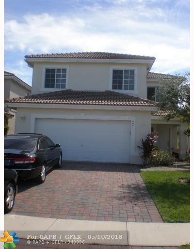 668 Perdido Heights Dr, West Palm Beach, FL 33413 (MLS #F10121442) :: Green Realty Properties