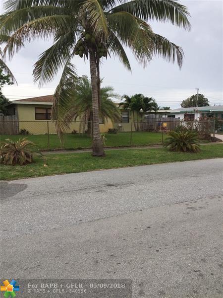 1731 Avenue F, Riviera Beach, FL 33404 (MLS #F10122193) :: Green Realty Properties
