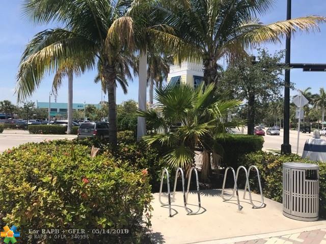 1600 E Hillsboro Blvd, Deerfield Beach, FL 33441 (MLS #F10122826) :: Green Realty Properties
