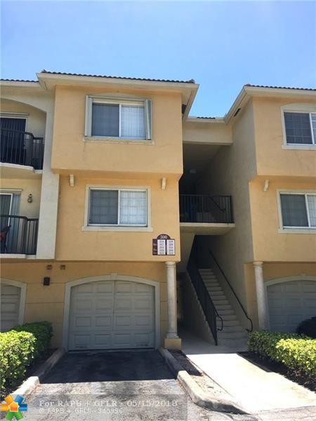 300 Crestwood Ct #319, Royal Palm Beach, FL 33411 (MLS #F10122989) :: Green Realty Properties