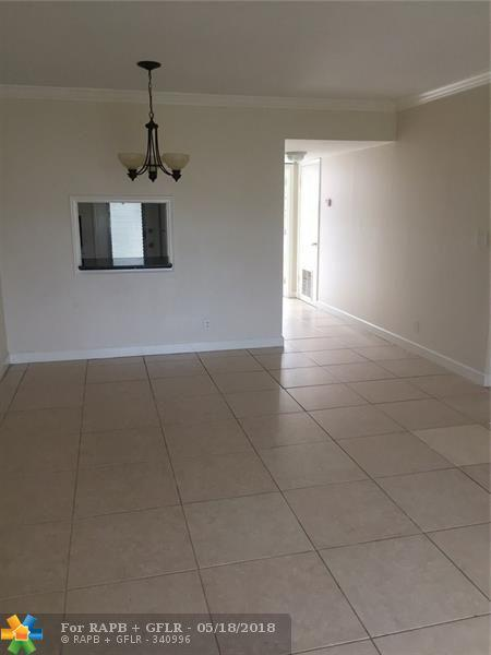 899 SE 2 Avenue #201, Deerfield Beach, FL 33441 (MLS #F10123484) :: Green Realty Properties