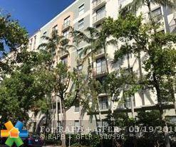 1919 Van Buren St 410A, Hollywood, FL 33020 (MLS #F10123751) :: Castelli Real Estate Services