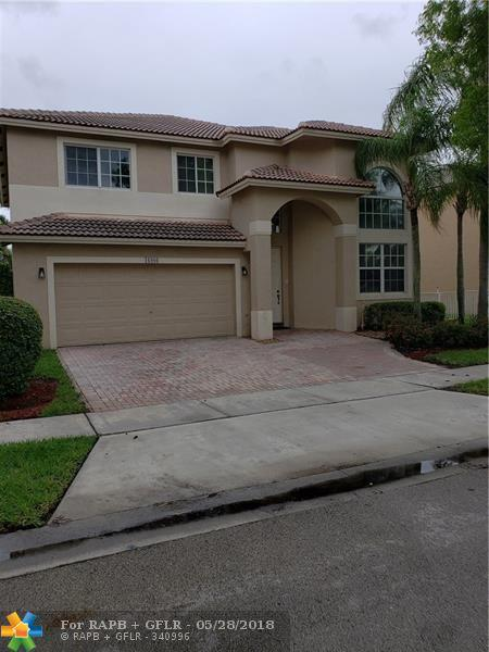 16986 NW 19th St, Pembroke Pines, FL 33028 (MLS #F10123834) :: Green Realty Properties