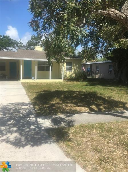 1013 Mayflower Road, Fort Pierce, FL 34950 (MLS #F10125361) :: Green Realty Properties
