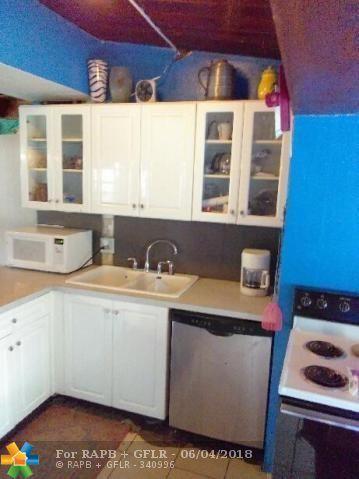 362 Glouchester St, Boca Raton, FL 33487 (MLS #F10125788) :: Green Realty Properties