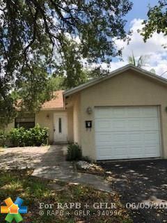 1400 NE 35th St, Oakland Park, FL 33334 (MLS #F10126091) :: Green Realty Properties
