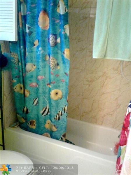 719 Lori Dr #308, Palm Springs, FL 33461 (MLS #F10126728) :: Green Realty Properties