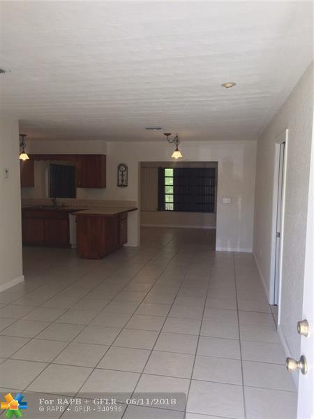 3120 NE 7th Ave, Pompano Beach, FL 33064 (MLS #F10126883) :: Green Realty Properties