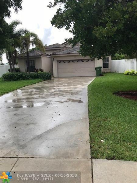 1080 SW 177th Way, Pembroke Pines, FL 33029 (MLS #F10127503) :: Green Realty Properties