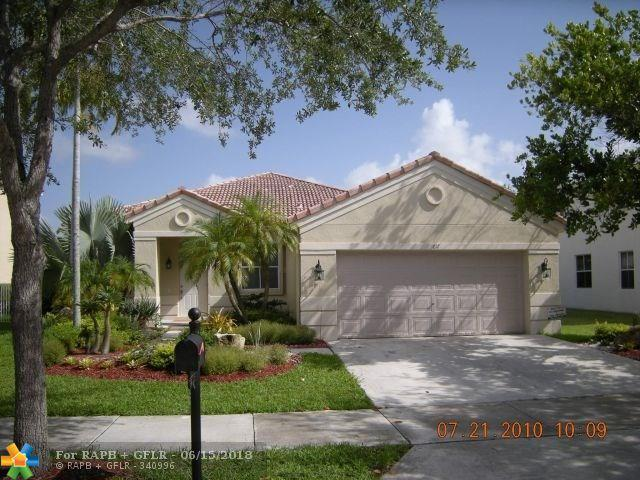 1017 Fairfield Meadows Dr, Weston, FL 33327 (MLS #F10127603) :: Green Realty Properties