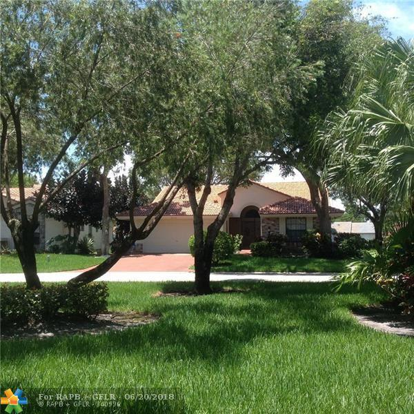 4650 Catamaran Cir, Boynton Beach, FL 33436 (MLS #F10128147) :: Green Realty Properties