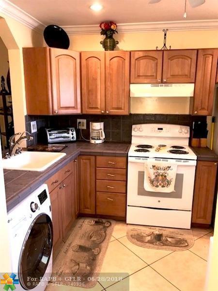 5525 Lakewood Cir #214, Margate, FL 33063 (MLS #F10129579) :: Green Realty Properties